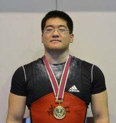 重量挙げ94キロ級で優勝した屋良一郎