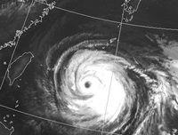 台風8号:宮古島地方に暴風警報 瞬間70m、夕方にかけ最接近か