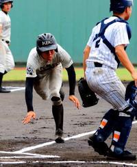 <高校野球1年生大会>創部2年目、少数精鋭の未来沖縄 投打かみ合い頂点に