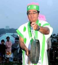 大漁や航海安全願う「鉦」響く 糸満ハーレー、29日本番