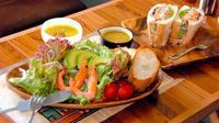 異国気分で新鮮なサラダをペロリ 浦添市牧港「カミーノ・デ・アラブ」