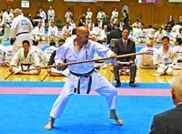 全種目の4強そろう 沖縄空手国際大会 きょう決勝