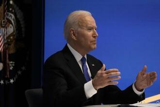 3日、米民主党関連の会合にオンラインで出席したバイデン大統領=ワシントン(UPI=共同)