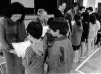学校に協力 児童ら感謝/国頭辺土名小で集会
