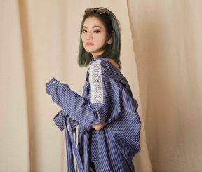 ファッションブランド「HENZA」を手がける平安座レナさん