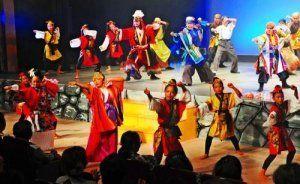 躍動感あふれる踊りで観客を魅了した現代版組踊「北山の風 今帰仁城風雲録」=2014年10月5日、タイムスホール