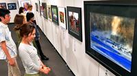 多彩な瞬間、カメラで記録 「沖縄写真連盟展」タイムスギャラリーで10日まで