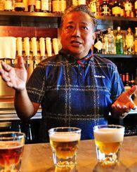 「アロハ・ビール」の工場で常に少なくとも12種類のクラフトビールを製造しているスティーブ・喜舎場・ソンブレロさん=8月31日、ハワイのホノルル市内