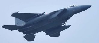 (資料写真)米軍嘉手納基地所属のF15戦闘機
