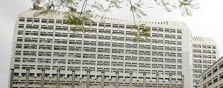 県外からのふるさと納税が急増している沖縄県庁