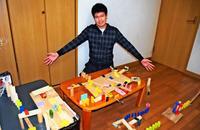 手作り「ピタゴラ装置」目指せ100個! 沖縄の中学生が抱く夢