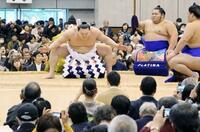 日馬富士グッズが冬巡業で大人気 店側「想定外」