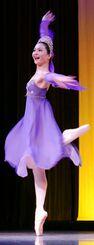 表情豊かに踊る砂川世里奈