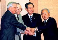 きょうSACO合意20年 沖縄への基地集中変わらず
