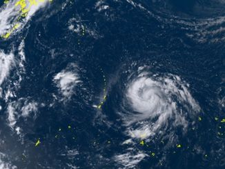 ひまわり8号リアルタイムwebがとらえた9日午後1時30分現在の台風22号