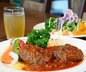 ランチタイム限定5食の「県産和牛×アグー豚 トマト煮込みハンバーグ」