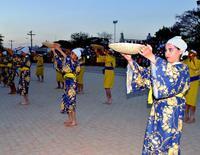 沖縄からボリビアへ、移住110周年 豊年祭で祝う