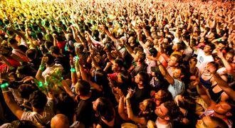 音楽ステージでは、ライブで思い切り盛り上がろう(提供画像)