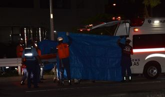 心肺停止状態で市内の病院に搬送された男性=16日、那覇市牧志