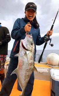 阿嘉の島袋教諭 ガーラで大物賞/島の釣り大会楽しむ