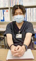 「患者や家族の一言一言に力をもらっている」と話す浦添総合病院の原國政直感染防止対策室長=5月29日、浦添総合病院