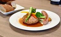肉のうま味しっかり ジューシーな沖縄産イノブタ 浦添市牧港「デリカテッセンまちなと一丁目」