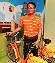 「ユーバイク」を運営する微笑単車の何友仁社長=21日、台北市内の同社
