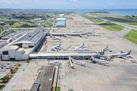 エアアジアX機、那覇空港に緊急着陸 右エンジンに不具合 羽田発クアラルンプール行き