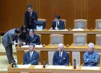 翁長知事、副知事人事案を議会に提案 28日採決の予定