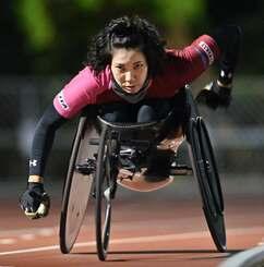 東京パラリンピック出場が内定した喜納翼=2020年12月、沖縄市陸上競技場(金城健太撮影)