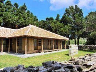 定住者向けに再生された古民家。島の景観を保つ役割も担う=伊是名村伊是名(同村役場提供)