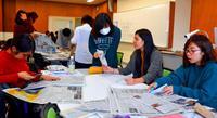 新聞記事で「要約力」養う 名桜大看護学科で沖縄タイムス出前記者
