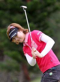 ダイキン女子ゴルフ:首位と2打差川満 初V射程
