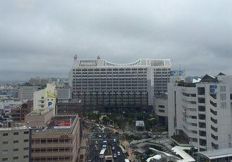 清明(シーミー)入りした沖縄地方。湿った空気の影響でくもっています