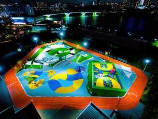 ナイキがデザインした運動施設の全景=東京都江東区