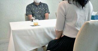 「婚活サポートおきなわ」の1対1のお見合いに参加した男女=沖縄県北中城村美崎