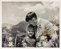 ヒトラーの希少写真、米で競売 ユダヤ系少女と笑顔で撮影