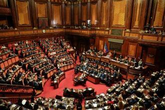 コンテ首相の演説が行われたイタリア上院=20日、ローマ(AP=共同)