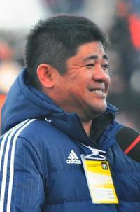 全国高校サッカー:「平常心」選手に伝達 那覇西の平安山監督