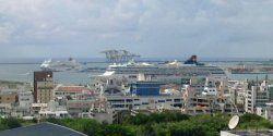 きょうの那覇港、クルーズ船が2隻寄港してます。