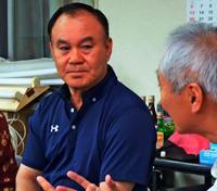 病気への偏見なくしたい 町長選出馬時、精神障がいの兄を公表した久米島町長