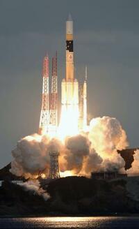 防衛省、初の通信衛星を打ち上げ 軌道投入に成功
