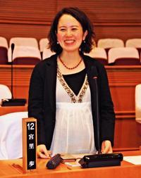 「先例できたら政治も変わる」沖縄県内市町村で初、議員が産休 北谷町議の宮里歩さん
