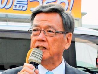 1月の宮古島市長選挙で応援演説する翁長雄志知事=宮古島市