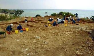 発掘調査が進む片江原貝塚A地区