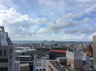 朝の土砂降りもお昼には上がり、穏やかな午後になりました=9日午後5時ごろ