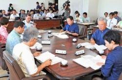 【8位】竹富の地区分離を決めた県教委の会合。文科省が違法確認訴訟を見送る道を開いた=5月21日、県庁
