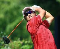松山は25位、ウッズ首位 米男子ゴルフ最終戦第1日