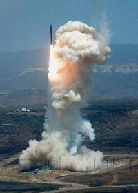 米、初のICBM迎撃実験へ 北朝鮮ミサイル警戒