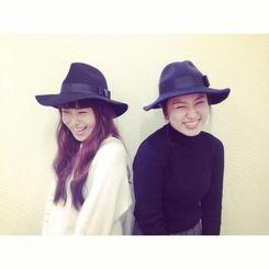 【森島友香ちゃん(右)はもうすぐ私のアシスタント歴2年になります。頑張ってます! 好きなものも似てきてます!(笑)】